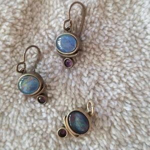 Jewelry - Pendant and earrings opal